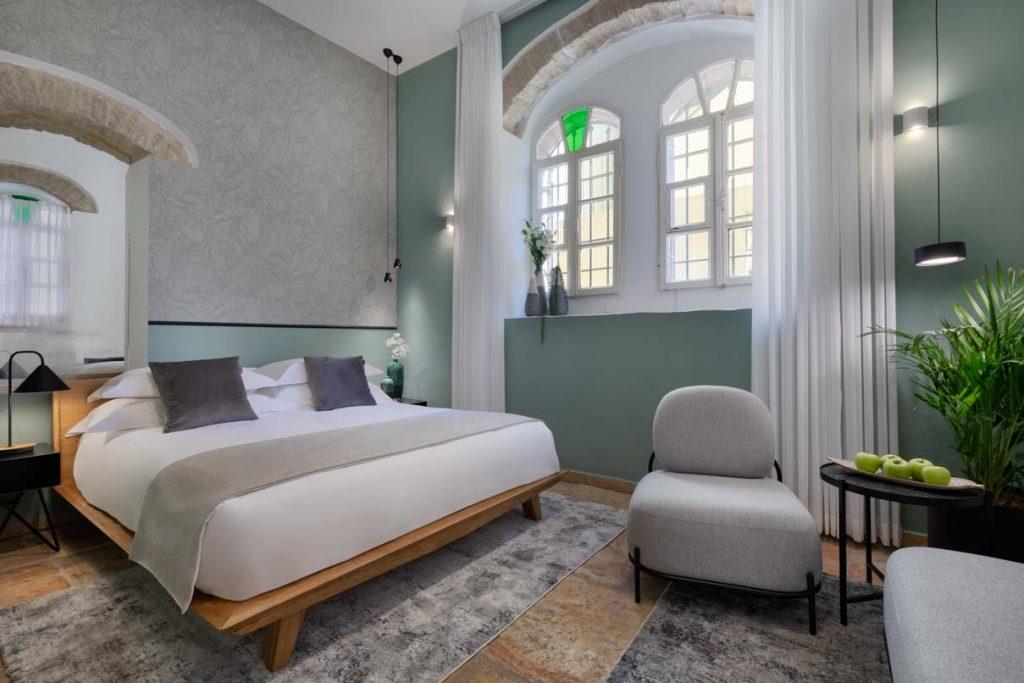 damson-hotel-classic-suite-1