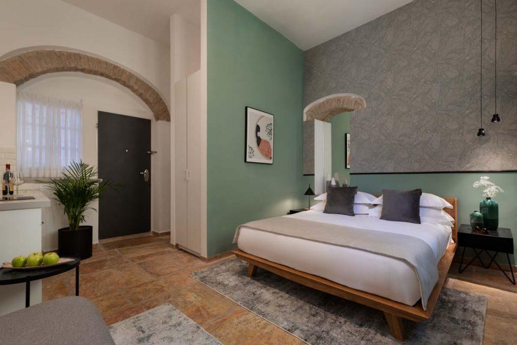 damson-hotel-classic-suite-2