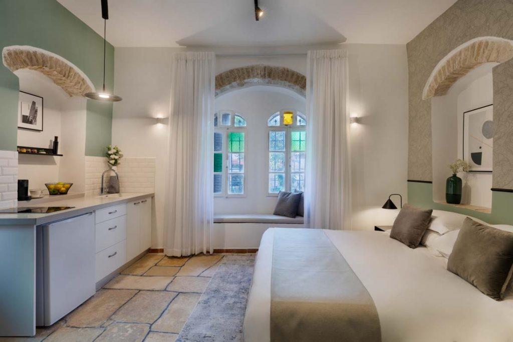 damson-hotel-classic-suite-5