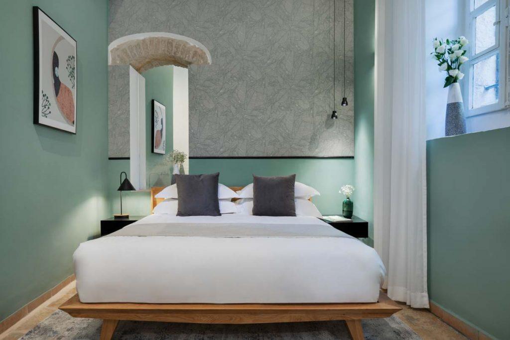 damson-hotel-classic-suite-8