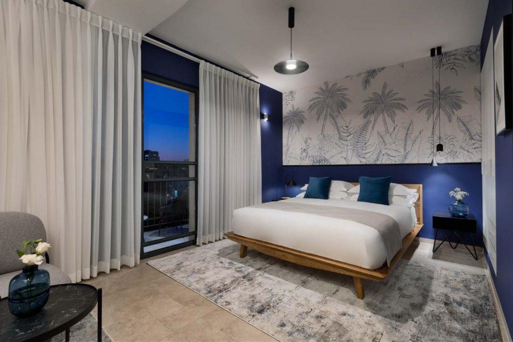damson-hotel-deluxe-balcony-suite-1