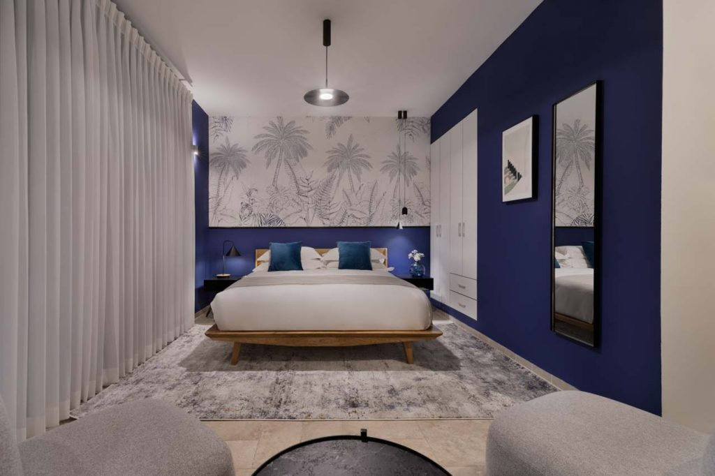 damson-hotel-deluxe-balcony-suite-2