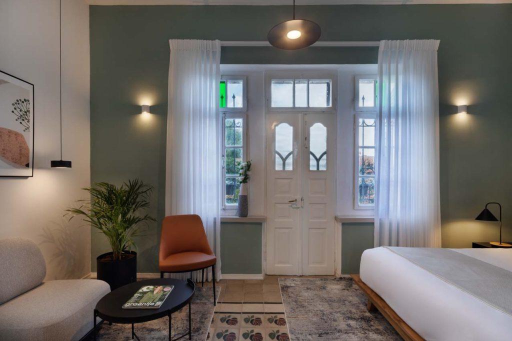 damson-hotel-deluxe-balcony-suite-4