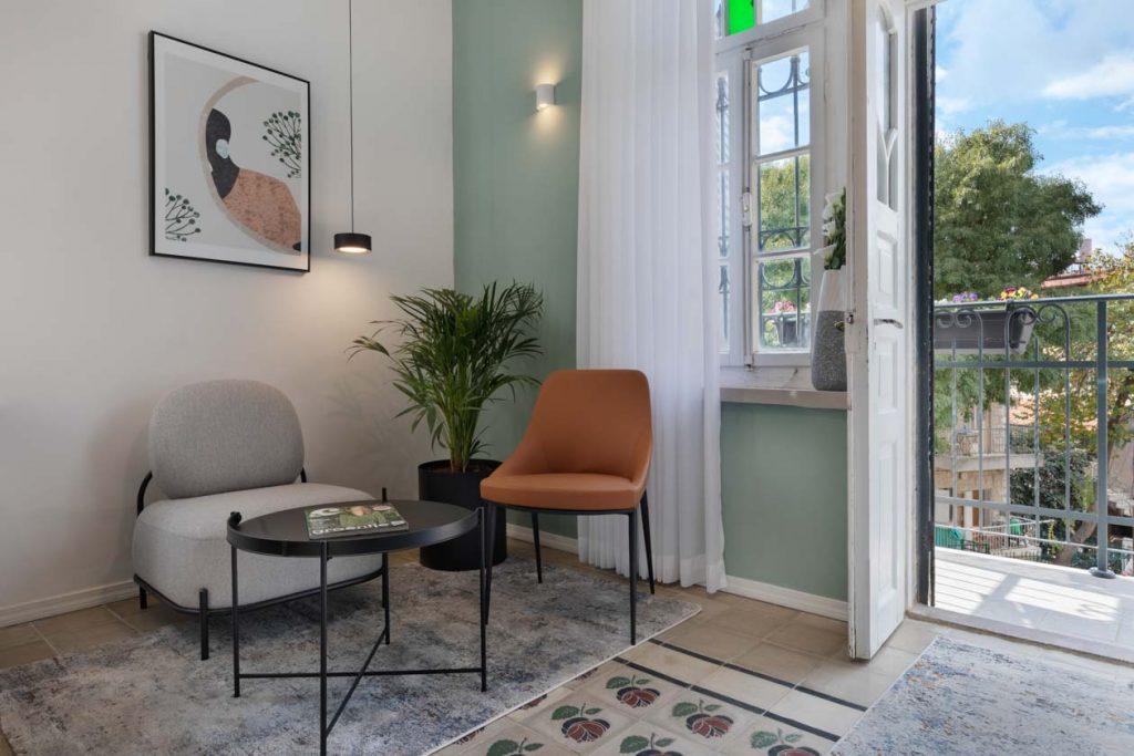 damson-hotel-deluxe-balcony-suite-5