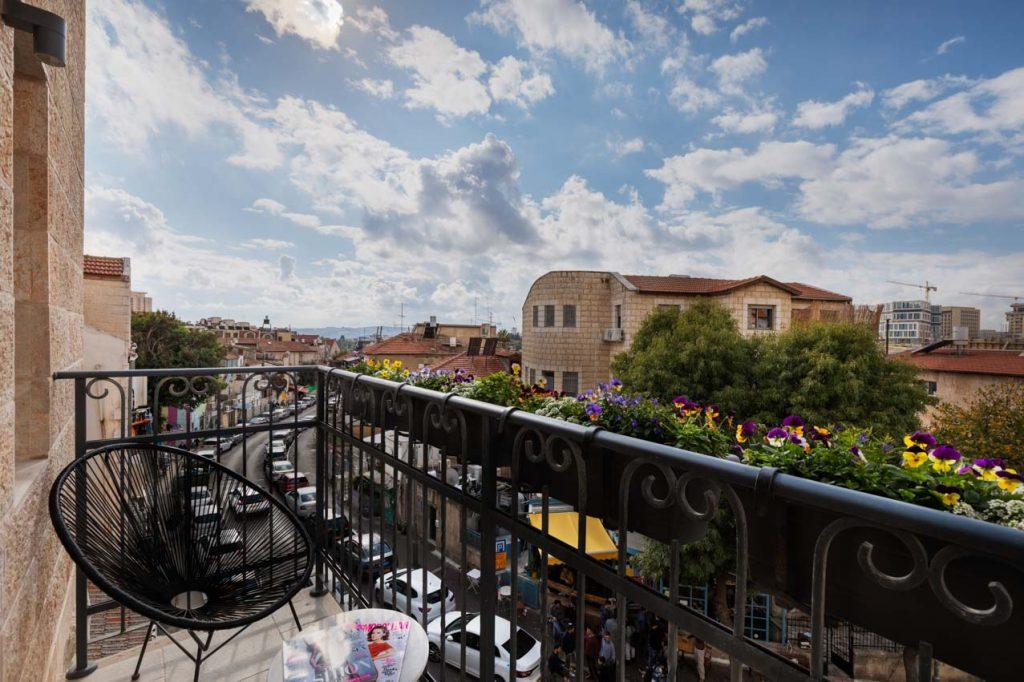 damson-hotel-deluxe-balcony-suite-6