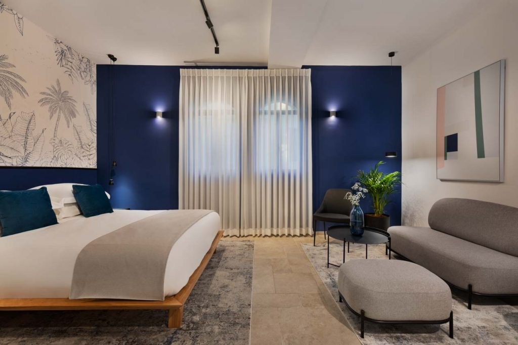 damson-hotel-deluxe-suite-2
